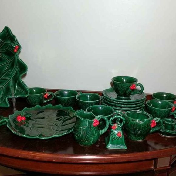 Vintage Lefton's holiday holly tea for 8 and more